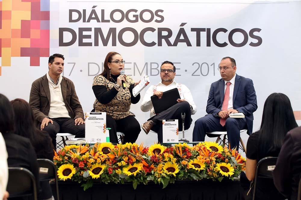 LIBRO DIÁLOGOS DEMOCRÁTICOS