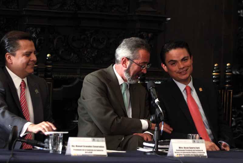 Firma de acuerdo entre la ALDF y el InfoDF