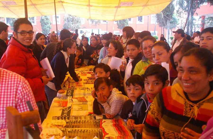 Firma de Convenio e inauguración de la Feria