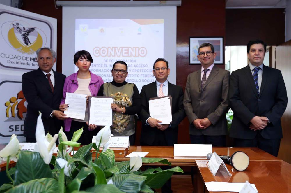 Firma de Convenio Desarrollo Social junio 2014