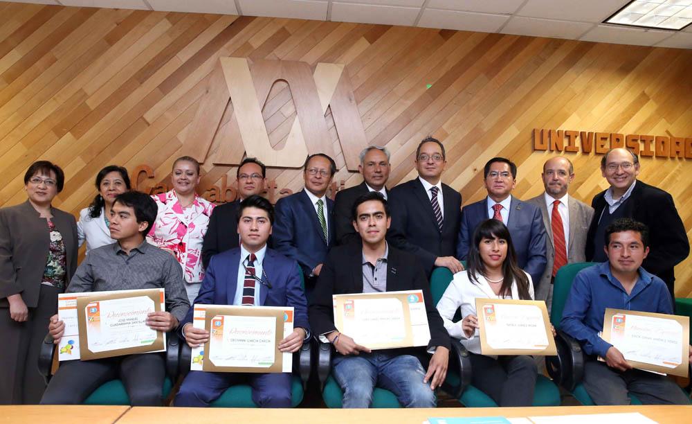 PREMIACION A LOS GANADORES DEL 7º CONCURSO DE ENSAYO